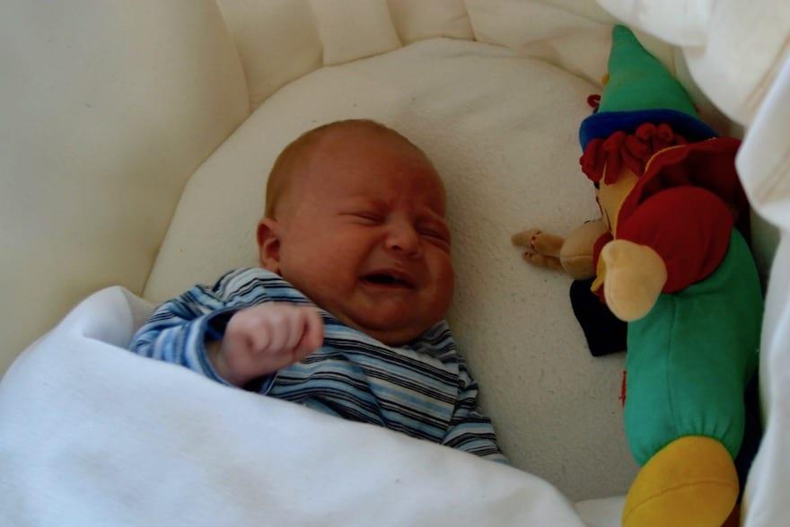 Neugeborenes hat Fieber